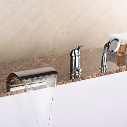 Modern Romeins bad Waterval Inclusief handdouche with Keramische ventiel Single Handle drie gaten for Chroom Badkraan