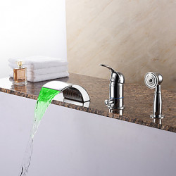 Modern Romeins bad LED Waterval Inclusief handdouche with Keramische ventiel Single Handle drie gaten for Chroom Badkraan