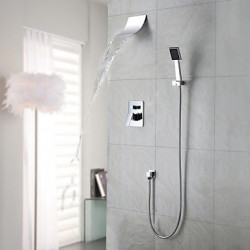 Modern Muurbevestigd Waterval Regendouche Inclusief handdouche with Keramische ventiel Single Handle Een Hole for Chroom