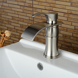 Modern Middenset Waterval with Keramische ventiel Single Handle Een Hole for Geborsteld nikkel Wastafel kraan