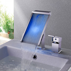 Modern 3-gats kraan LED Waterval with Keramische ventiel Single Handle Een Hole for Chroom Wastafel kraan